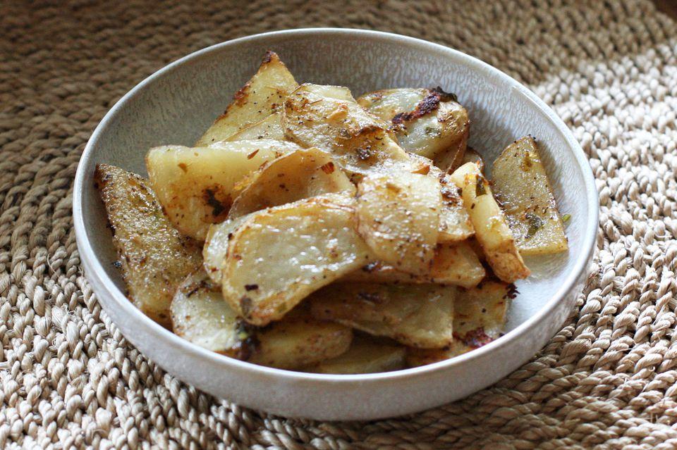 easy herb roasted potatoes