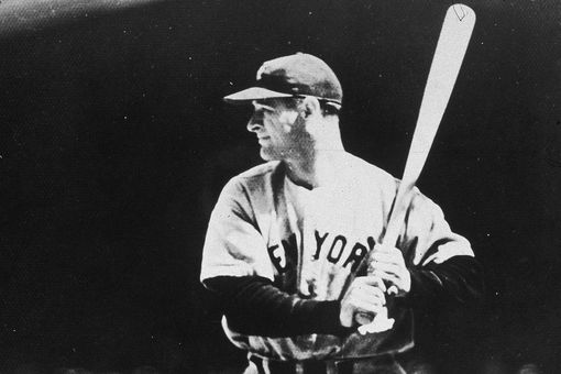 01 Jan 1935 circa 1935: American baseball player Lou Gehrig (1903 - 1941), swinging his baseball bat at a game.