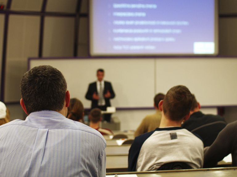 Business Seminar University students in a ...