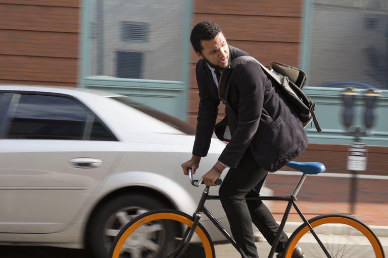 photo Biking or Walking to Work Helps Keep You Fit