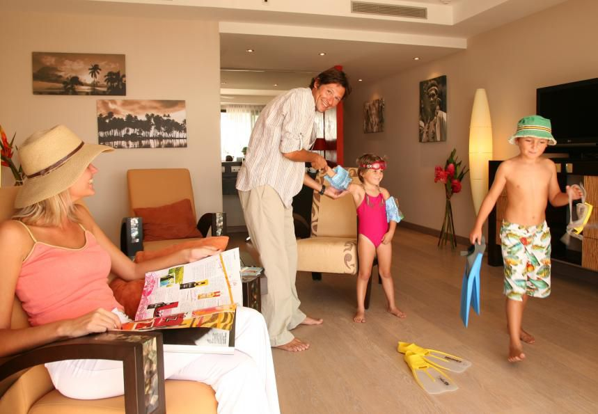 Family at Manava Suite Resort Tahiti
