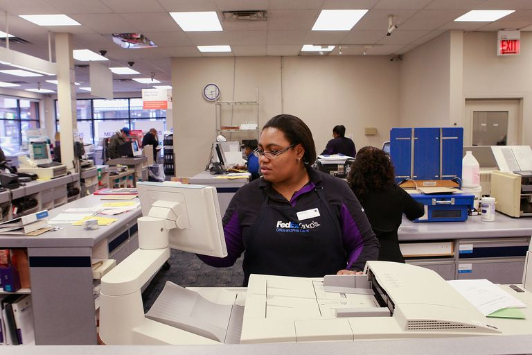 Job Seekers Take Advantage Of Free Resume Printing Offer