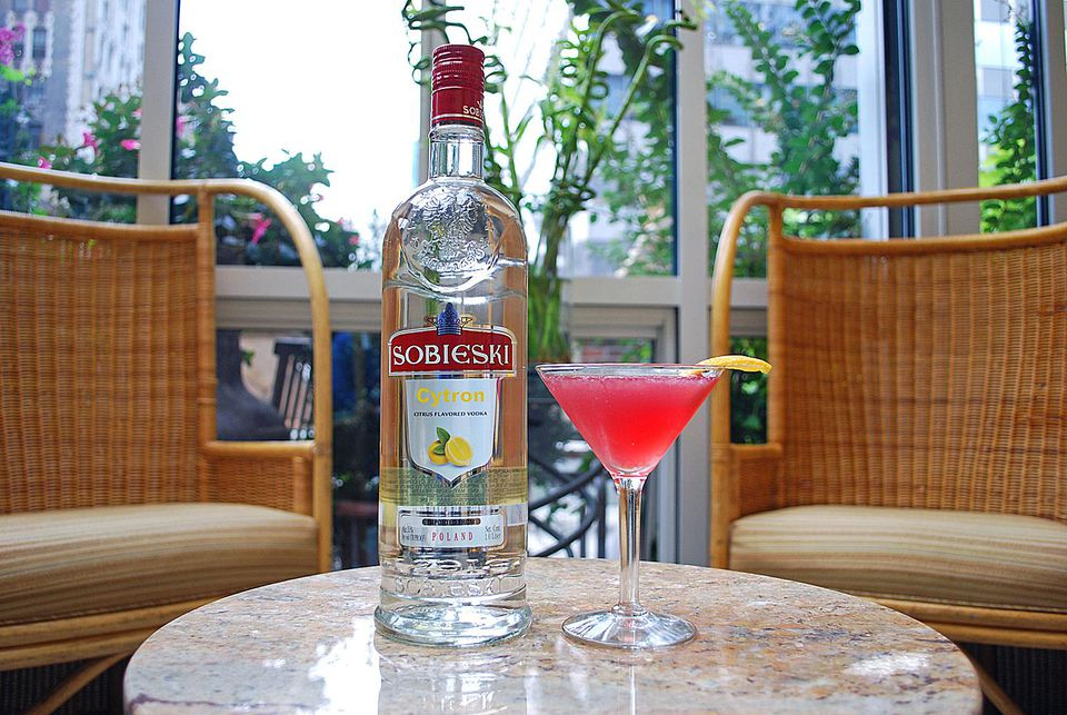 Skinny Pomegranate Cocktail with Sobieski Cytron Vodka