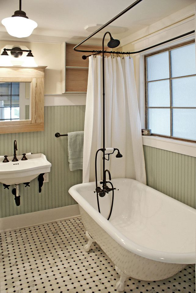 traditional clawfoot tub 10 Beautiful Bathrooms With Clawfoot Tubs