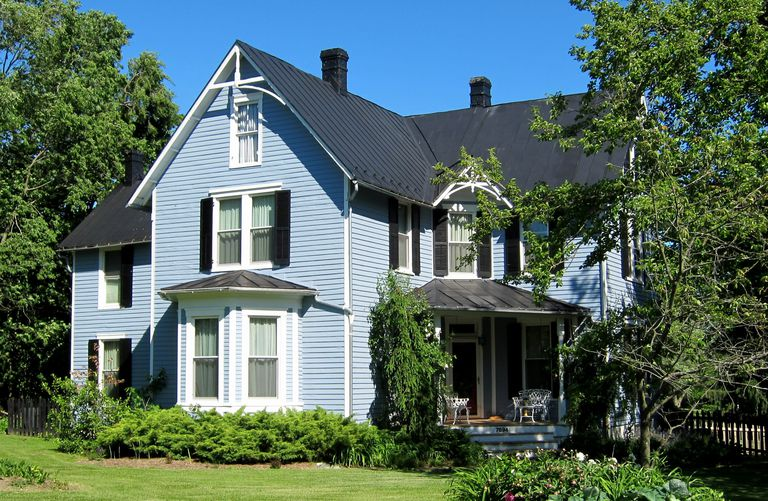 a blue colored folk victorian style home in middletown virginia - Style For Home