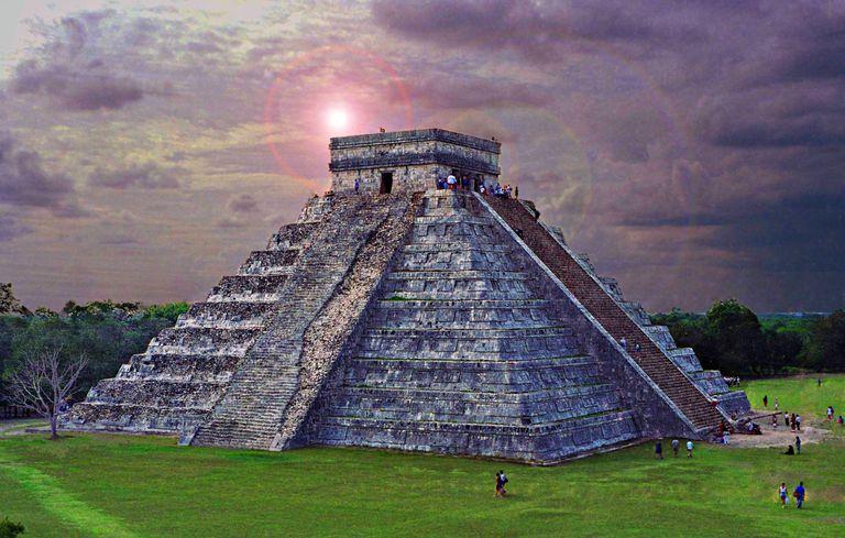 Chichén Itzá at Dusk