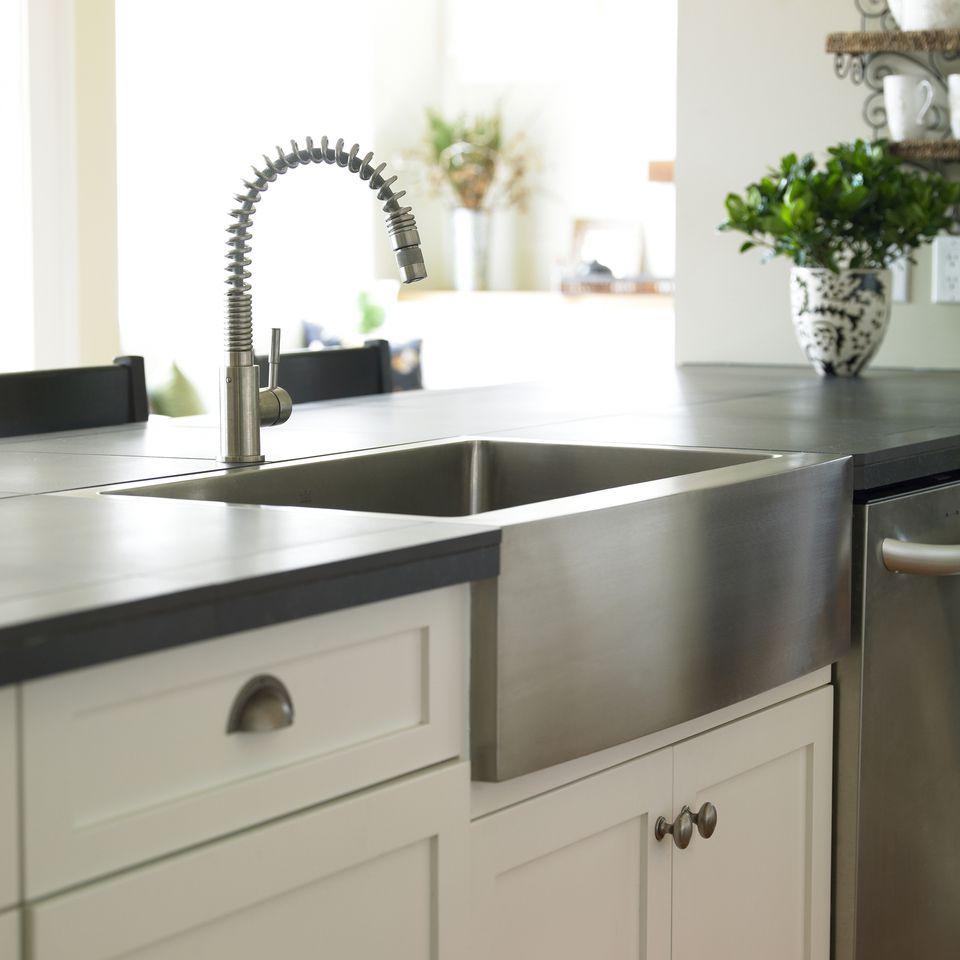 Basic kitchen sink types farmhouse or apron kitchen sink workwithnaturefo