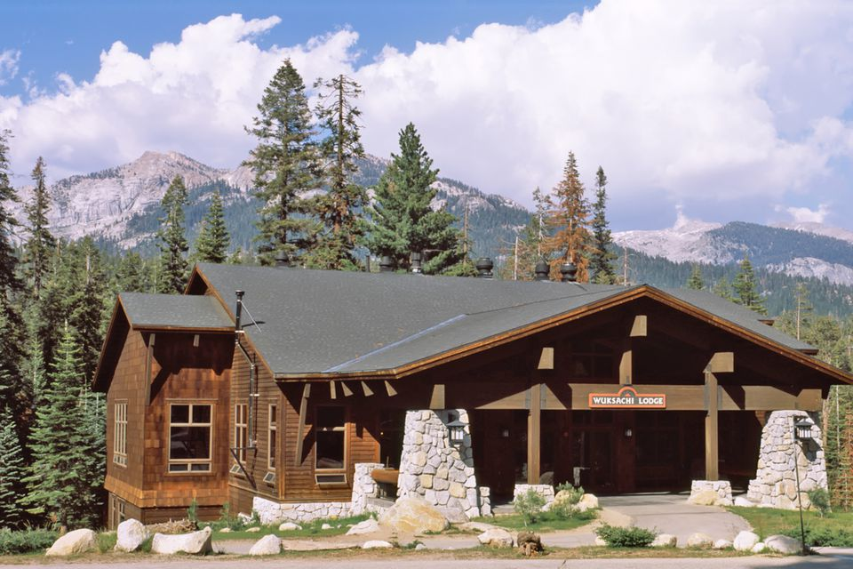 Wuksachi Lodge at Sequoia National Park