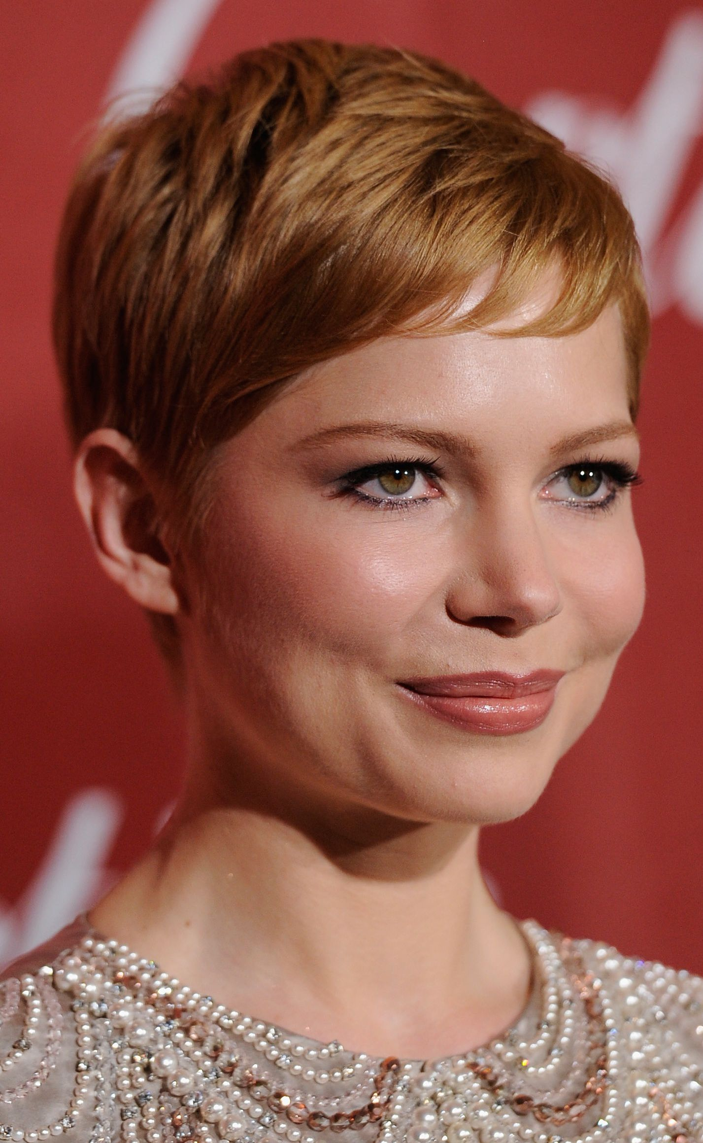 Actress michelle williams hairstyles a slideshow urmus Choice Image