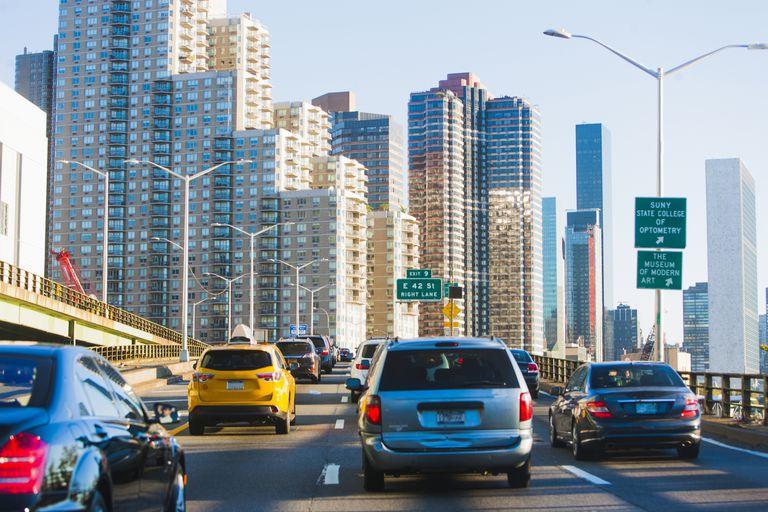 Traffic on FDR Drive, Manhattan, New York, USA