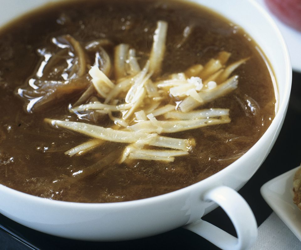 Vegetarian French onion soup with cheese
