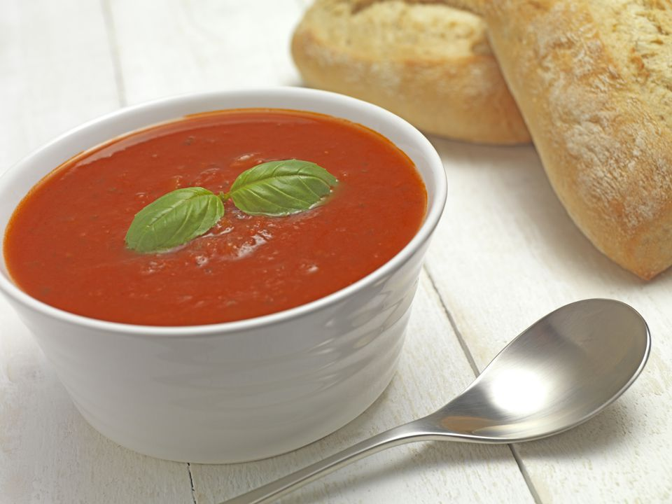 Easy cold vegetarian tomato and basil soup recipe for Soup for a cold