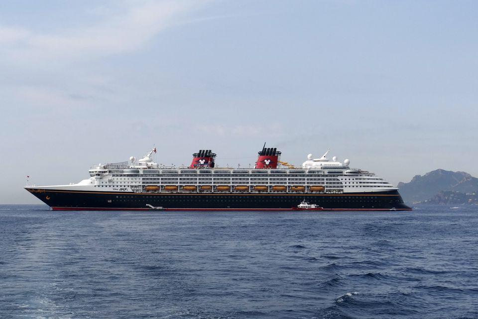 Disney Magic Tour Of Disney Cruise Line Ship - Pictures of the disney magic cruise ship