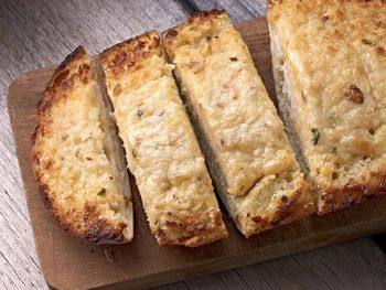 Make A Delicious Loaf Of French Bread With This Easy Recipe