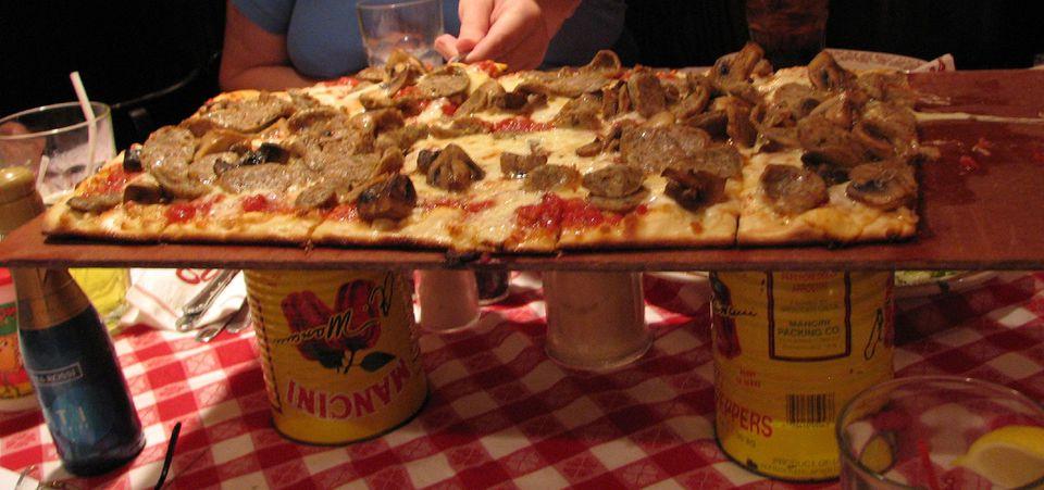 Buca di Beppo pizza