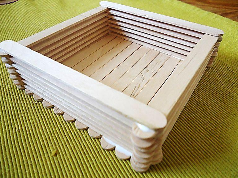 Caja con palitos de madera o palitos de paleta - Hacer caja de madera ...