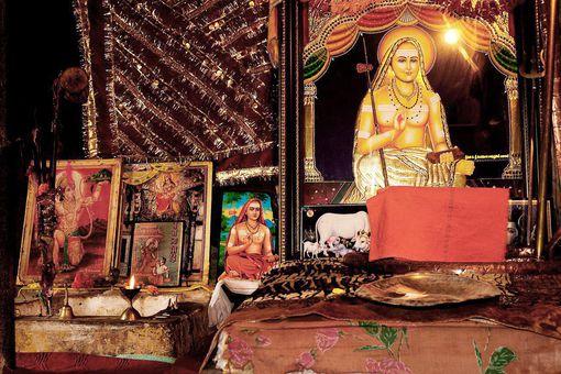 Inside Adi Shankara's Gufa (cave) at Shankaracharya Temple (Srinagar, Jammu and Kashmir), where he sat for his tapasya. Shiva devotees that visit the temple, also pay their respects to the guru here.