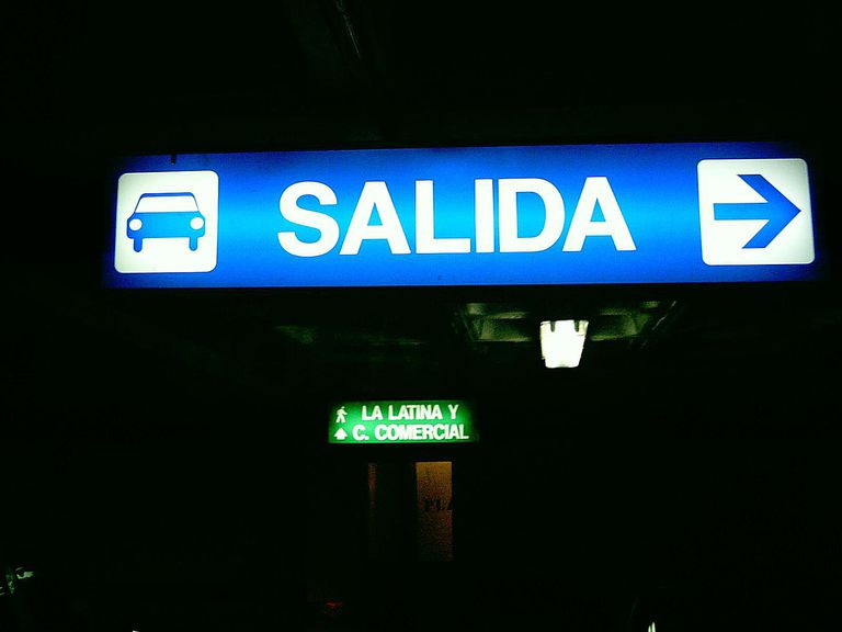 exit sign in spanish