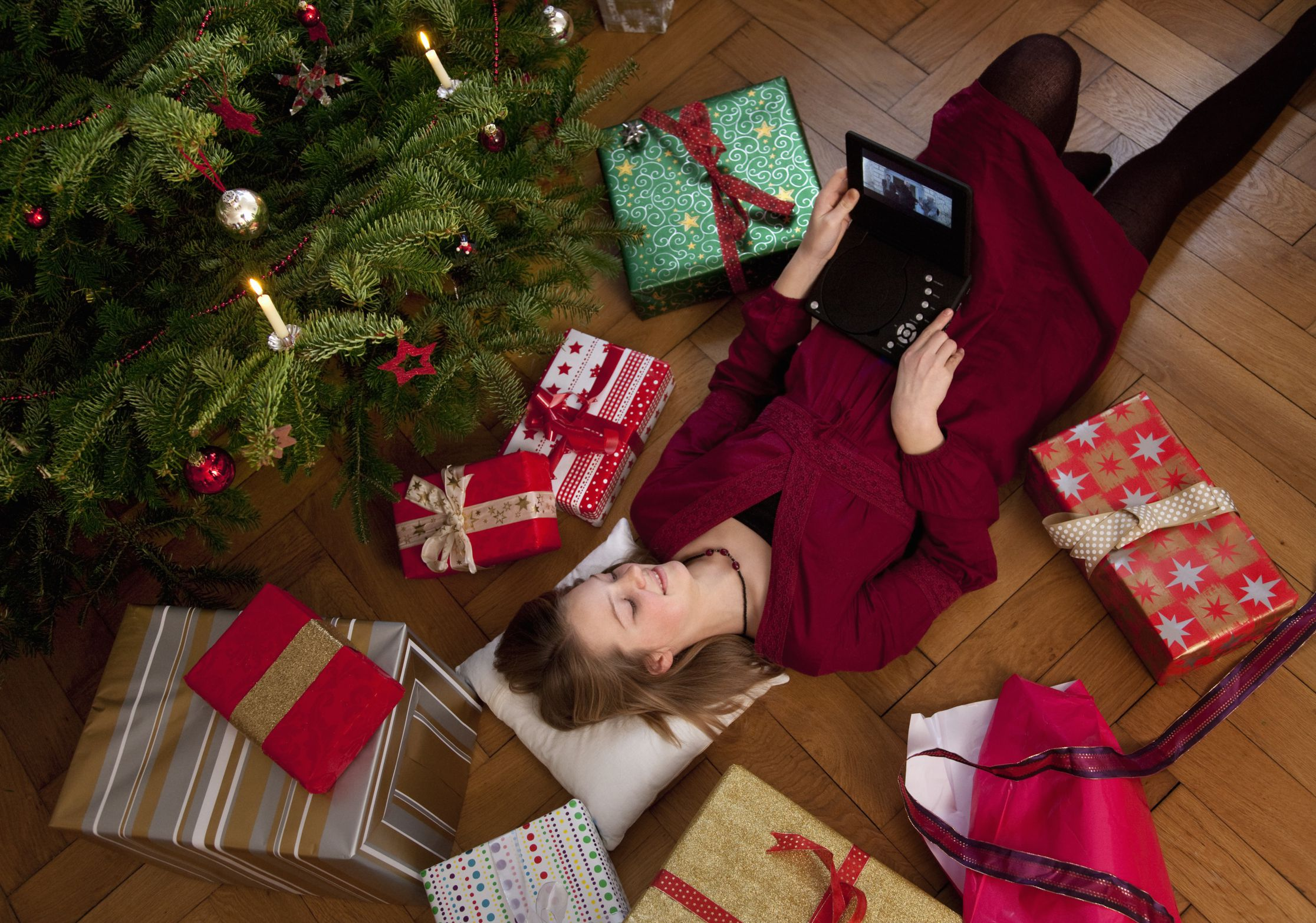 free christmas movies specials and videos on the web