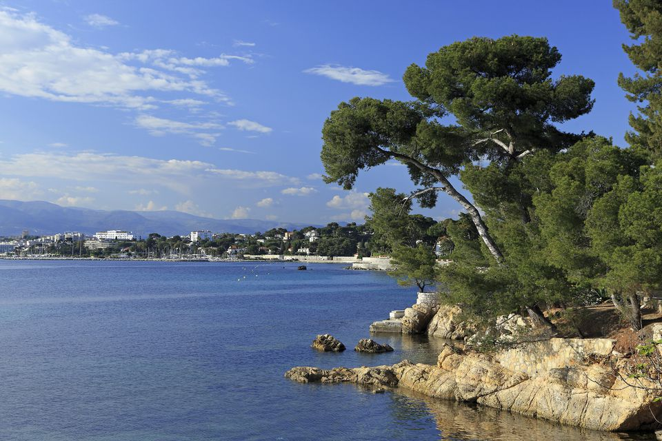 top attractions and things to do in antibes on the cote d 39 azur. Black Bedroom Furniture Sets. Home Design Ideas