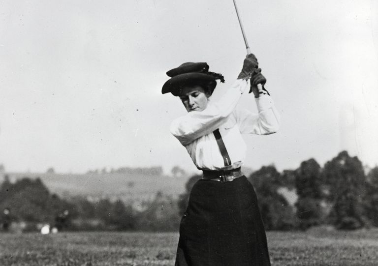 Golfer Dorothy Campbell photographed in the early 1900s.