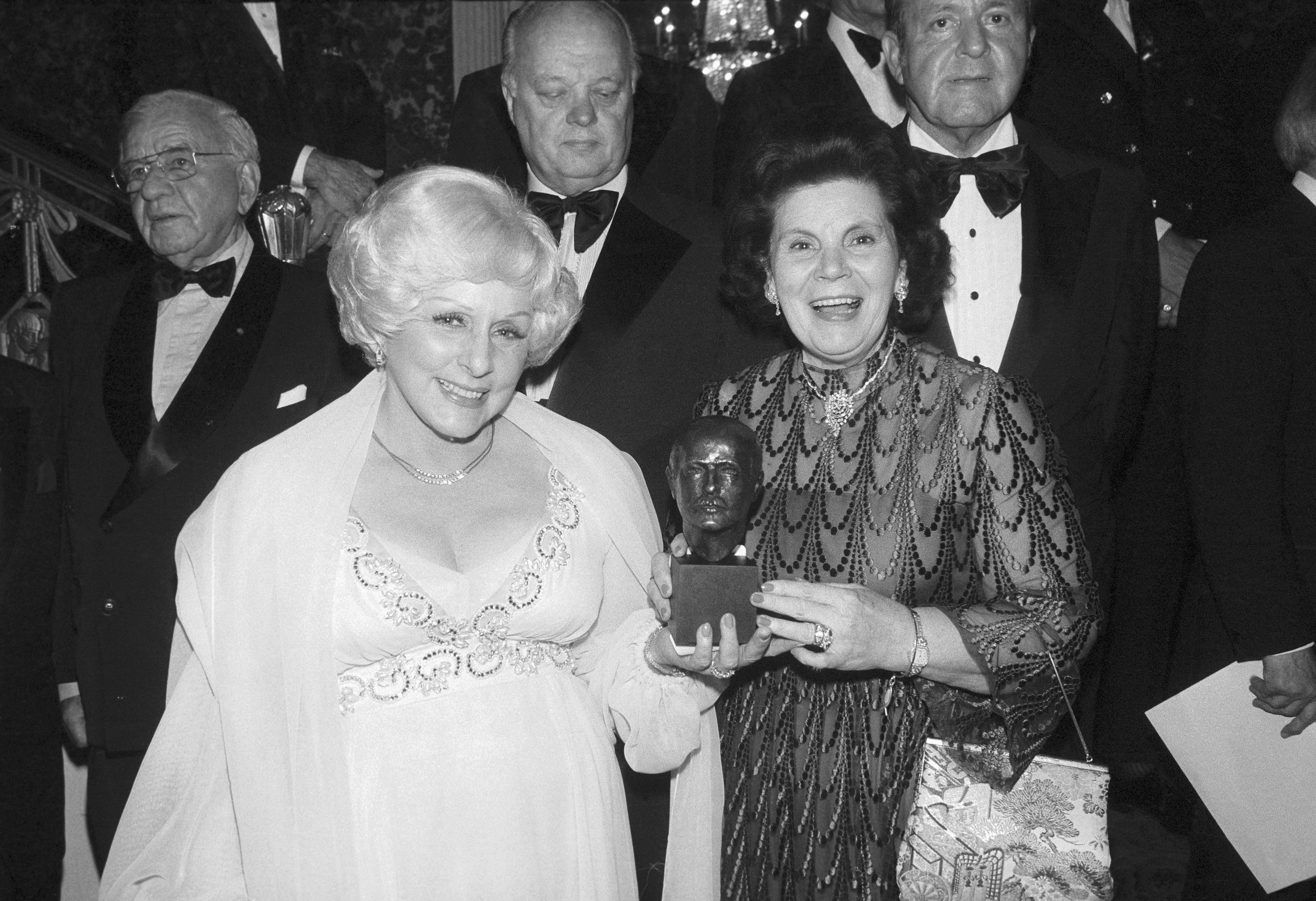Century Auto Sales >> Mary Kay Ash - Outstanding Woman in Business