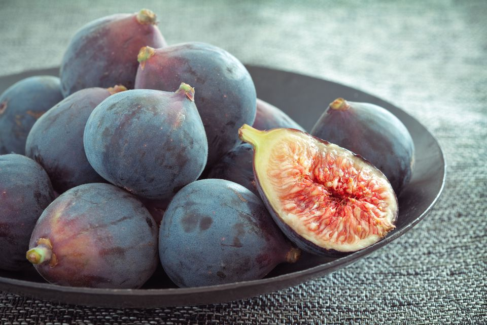 Black Mission Figs In a Bowl