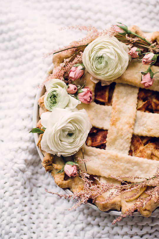 DIY Floral Wreath Pie Topper