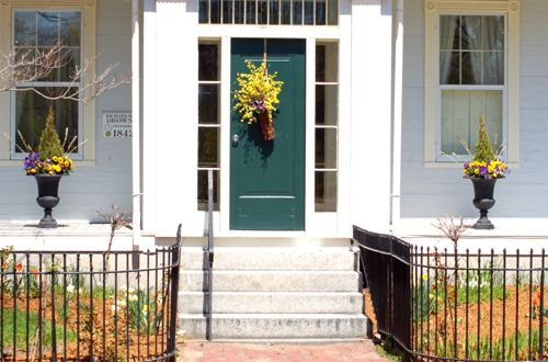 Door Entrances pictures of entryway plantings: front-door landscaping