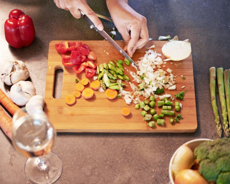 gluten-free vegetarian chopping veggies
