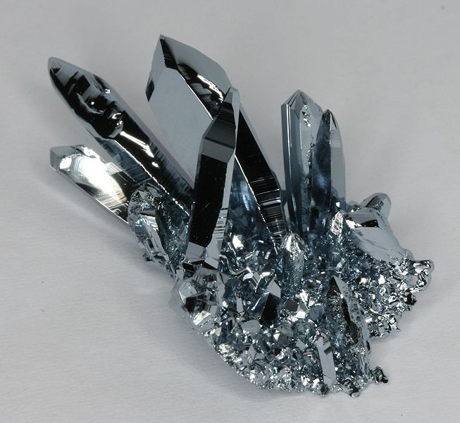 Osmium facts periodic table of the elements this cluster of osmium crystals was grown using chemical vapor transport urtaz Images