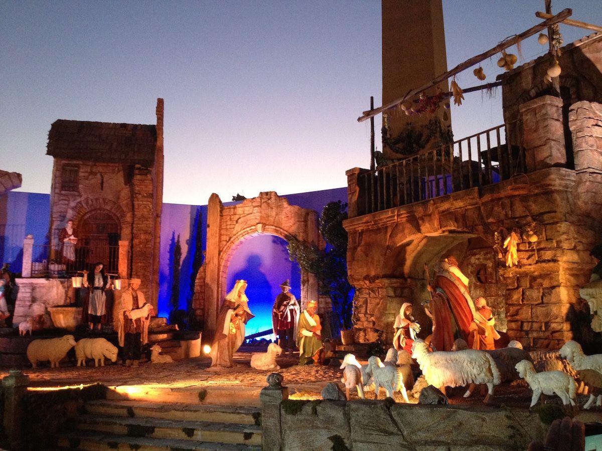 Italian Nativity Displays And Christmas Scenes