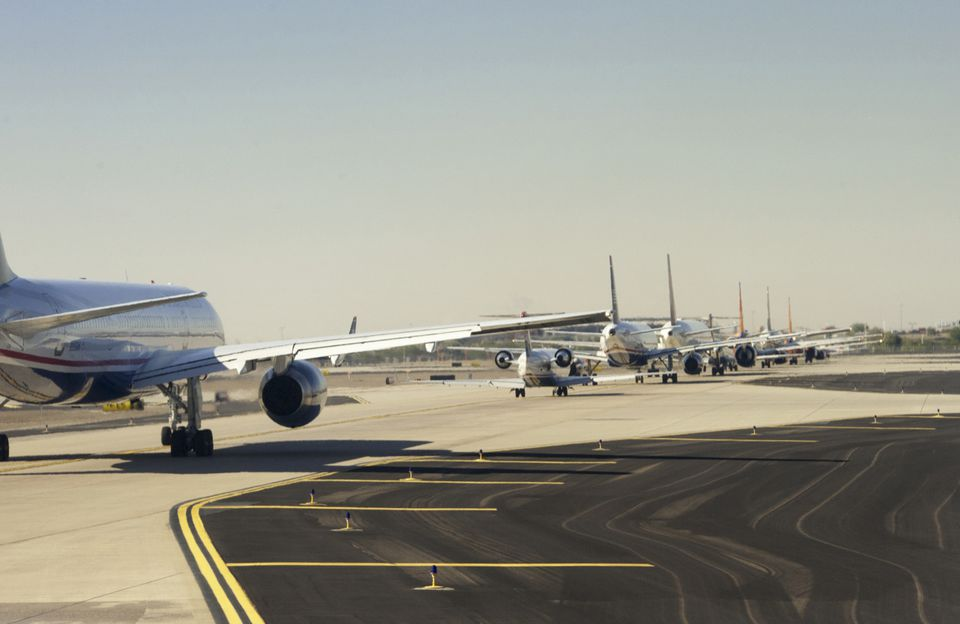 getty-planesrunway_1500_467753763.jpg