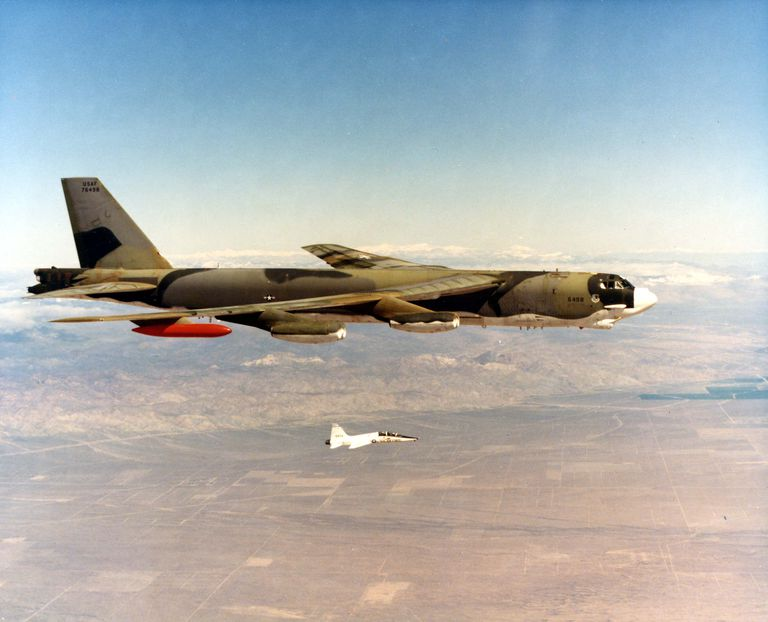 b 52 stratofortress strategic air command. Black Bedroom Furniture Sets. Home Design Ideas