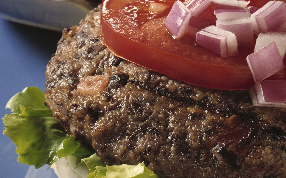 Black bean burgers with salsa and cornmeal