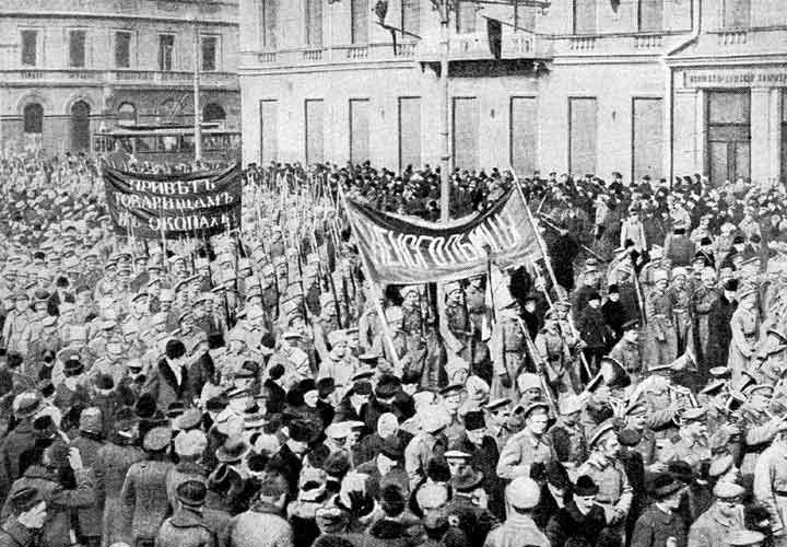 Russian soldiers marching in Petrograd in February 1917