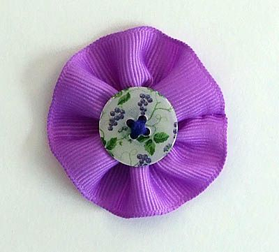 How to Make Flowers with Gathered Ribbon
