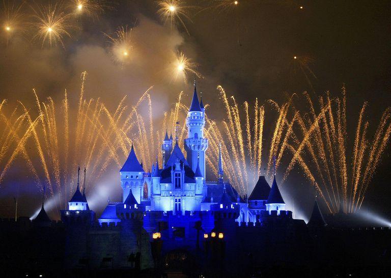 Disneyland To Open In Hong Kong