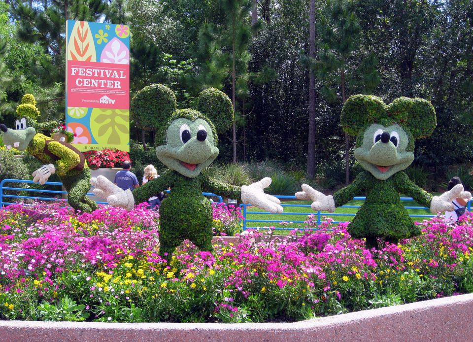 EPCOT - 2013 EPCOT International Flower & Garden Festival - Mickey & Minnie Topiary