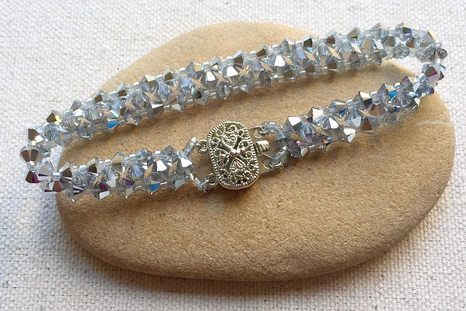 crystal bead tennis bracelet diy - Beaded Bracelet Design Ideas