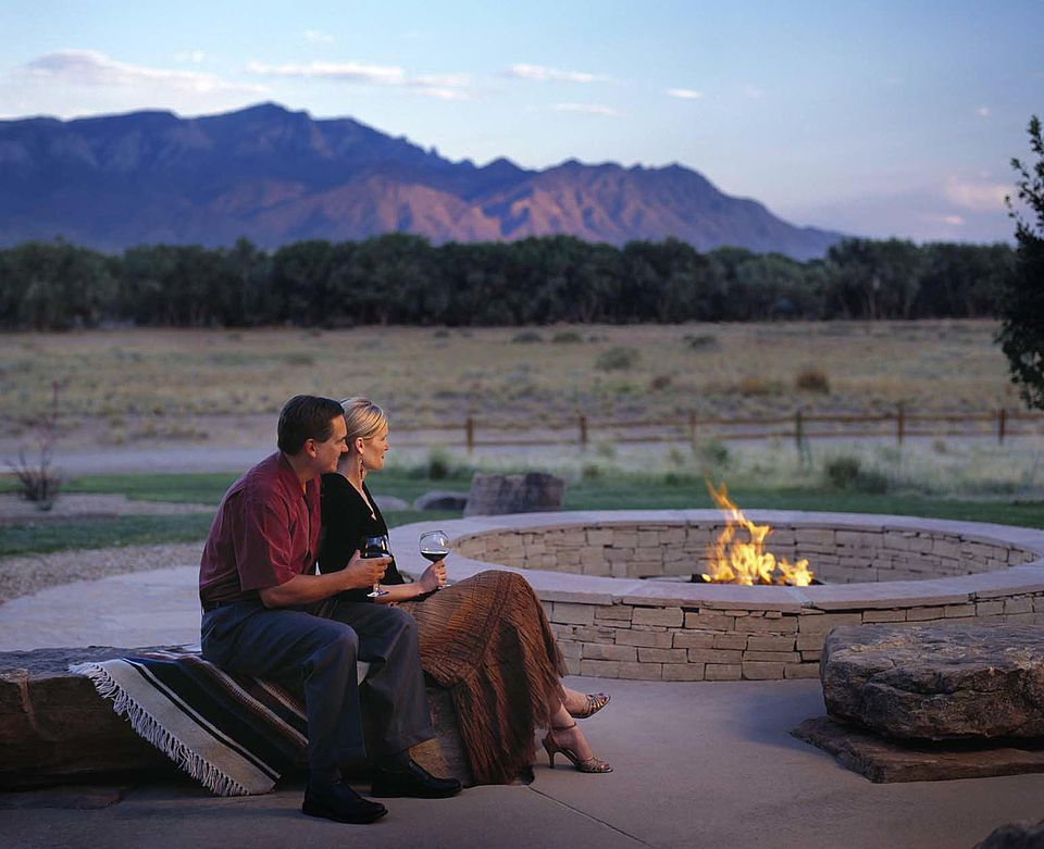 Top 10 romantic getaways near albuquerque for Romantic weekend getaways dc