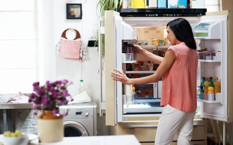 how to clean stuck food in the fridge