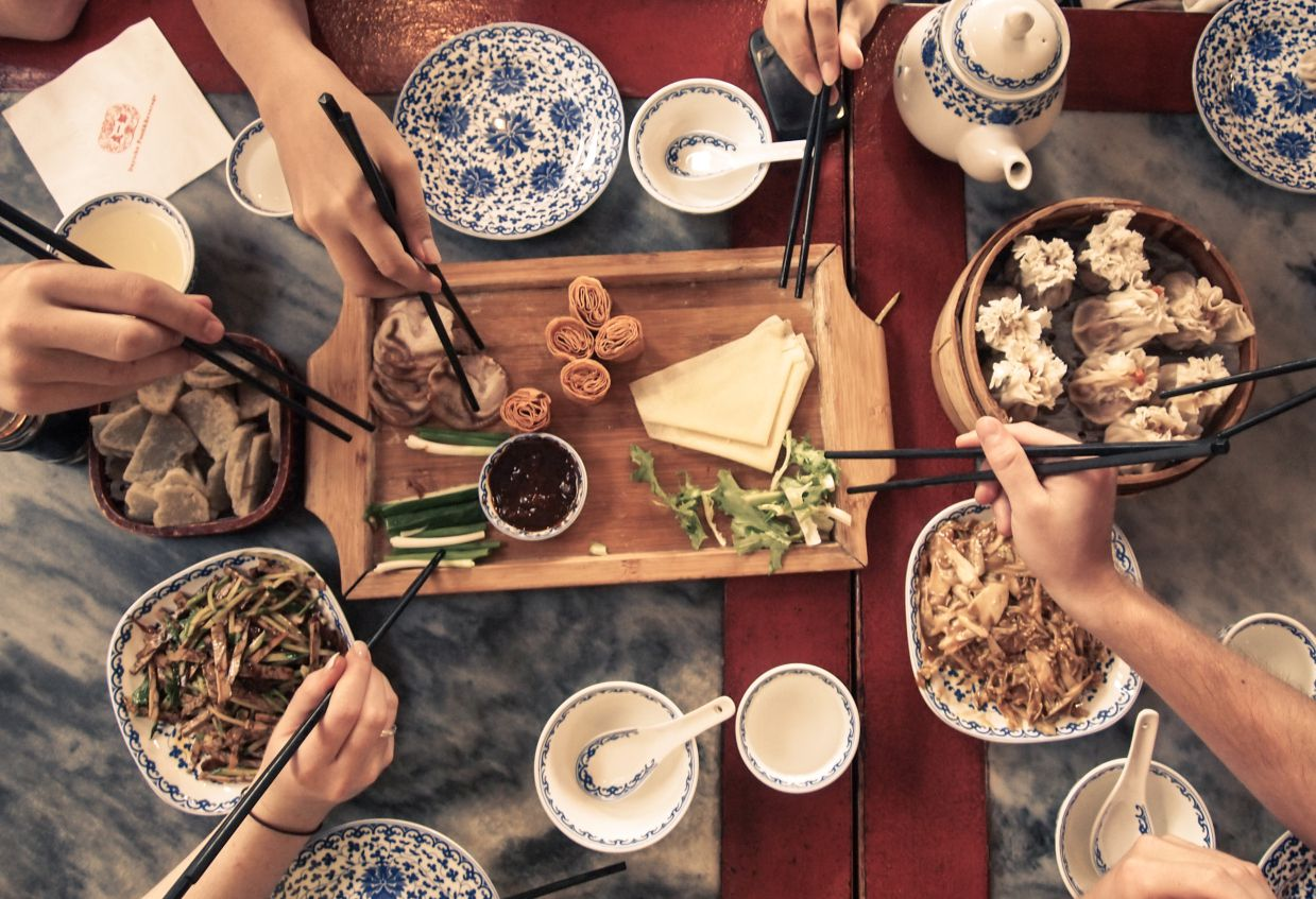 Chinese Table Etiquette How To Use Chopsticks