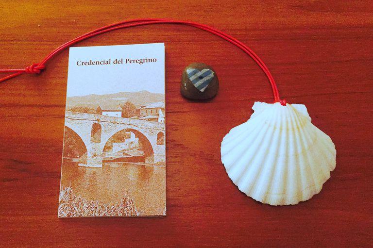 Camino Credencial - Scallop Shell - Love Rock