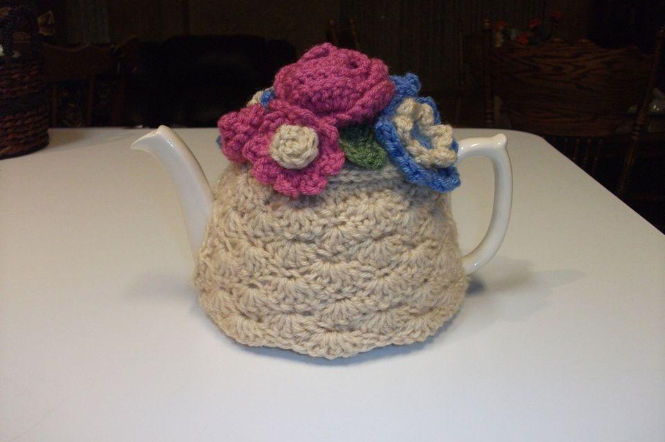 Shell Stitch Teapot Cozy Free Pattern