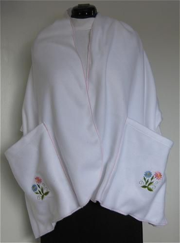 Make Warm and Practical Fleece Shawl with Pockets