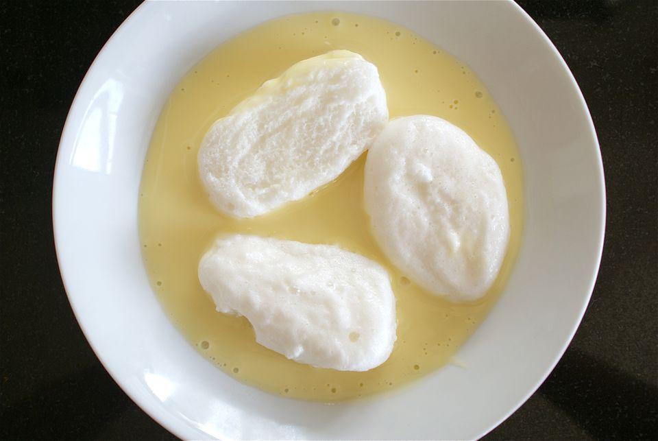 Classic oeufs a la neige recipe snow eggs - Oeufs a la neige thermomix ...