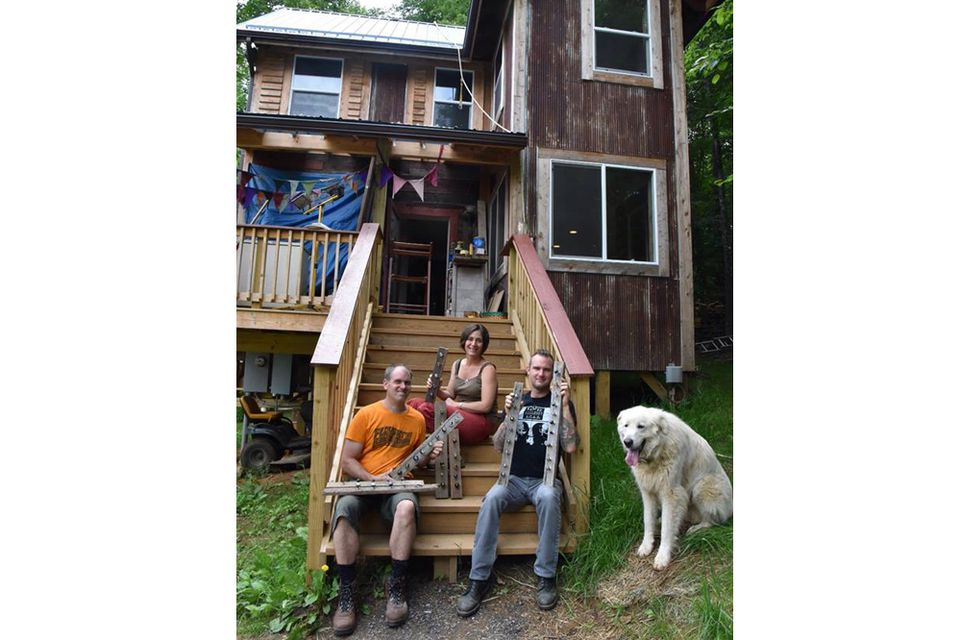 Why tiny house living pays off big for young families for Tiny house family of 6