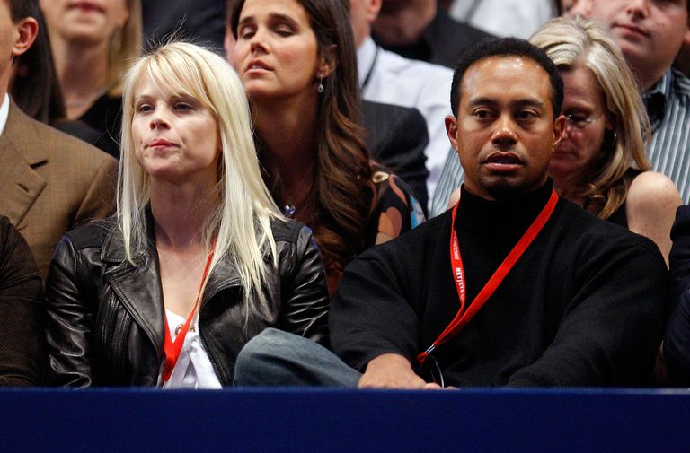 Elin Nordegren and Tiger Woods attend a tennis match at the 2008 US Open