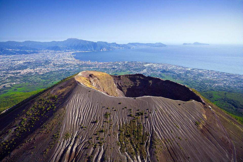 an overview of the pompeii mount vesuvius Pompeii and mount vesuvius 79 ad search this site overview 11 attilio lombardo mount vesuvius is one of the most well known volcanoes on the planet.
